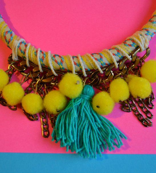 Collar Amarillo en primavera 2