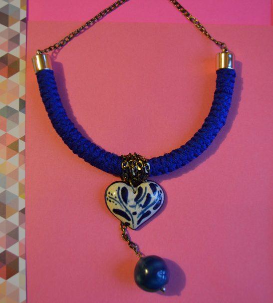 Collar Blue style