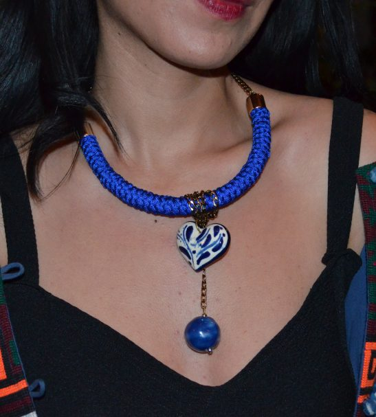 Collar Blue style handmade